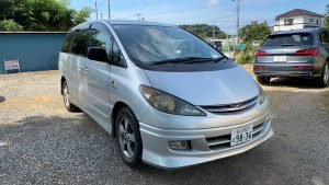 2003 Toyota Estima front right side picture