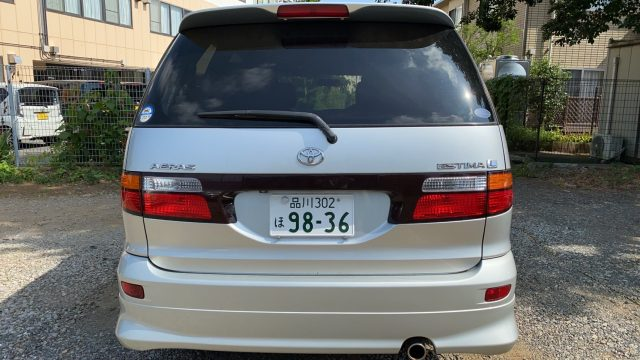 Rear picture of 2003 Toyota Estima