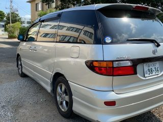 Rear left side picture of the 2003 Toyota Estima