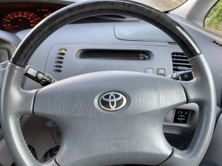 Steering Wheel Picture - 2003 Estima
