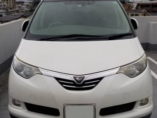 Front of 2007 Toyota Estima Hybrid G model