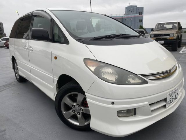 2003 Toyota ESTIMA AWD budget car for sale in Tokyo - front right image
